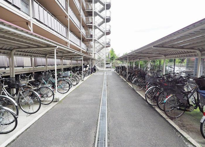 小豆沢パークファミリアA棟 駐輪場