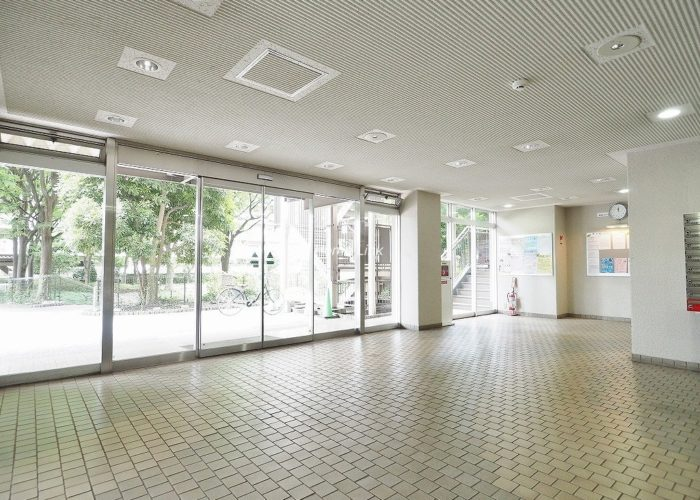 小豆沢パークファミリアA棟 エントランスホール