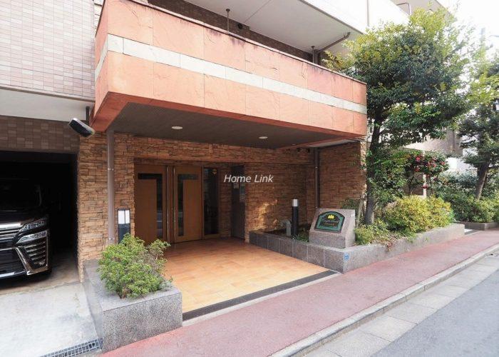コニファーコート志村弐番館 エントランス前