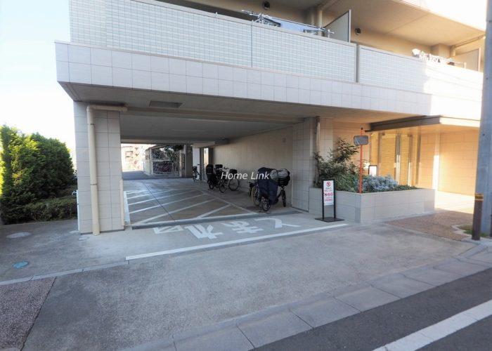 サンクレイドル東武練馬弐番館 駐車場出入口