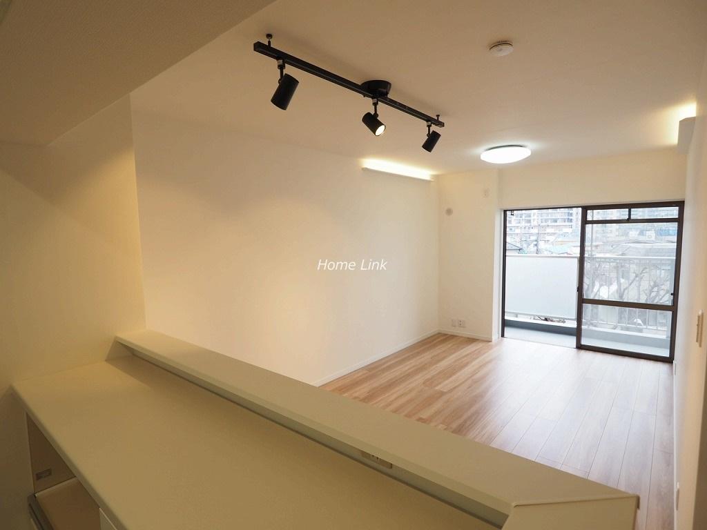 パルシティ徳丸4階 キッチンからリビング