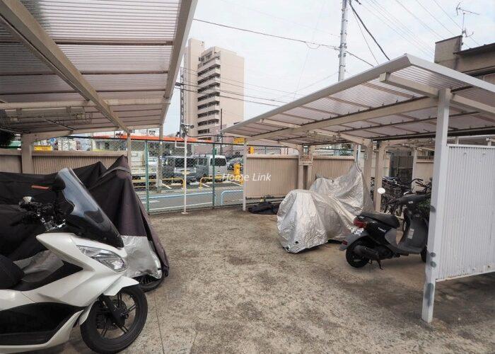 志村スカイハイツ バイク置き場