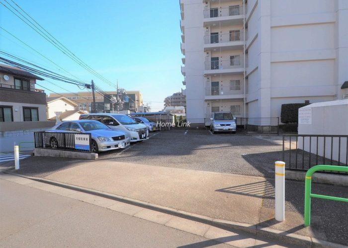 志村城山公園ハイデンス 駐車場出入口