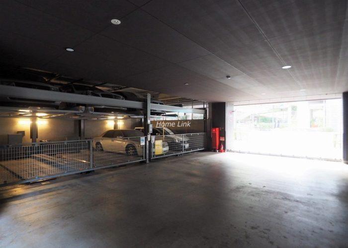 クアドロヌーヴェル 駐車場