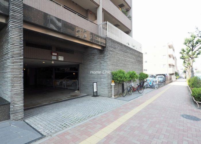 コスモ小竹向原ガーデンフォルム 駐車場出入口