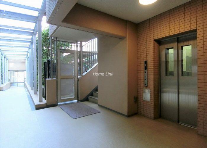 ジオときわ台プレミアムプレイス エレベーターホール