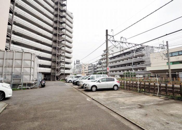 第1上板橋サンライトマンションAH棟 駐車場