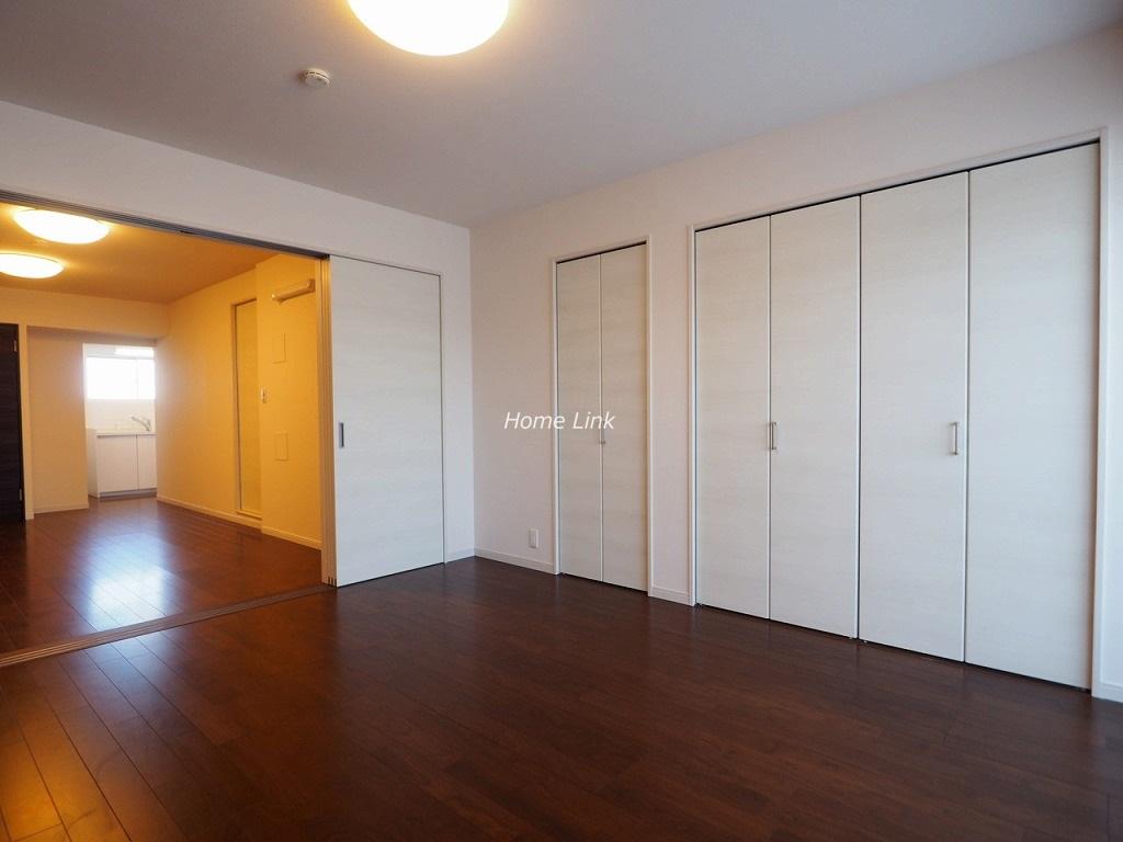 ウィスタリアマンション板橋志村10階 室内はリノベーション済み 三方角部屋