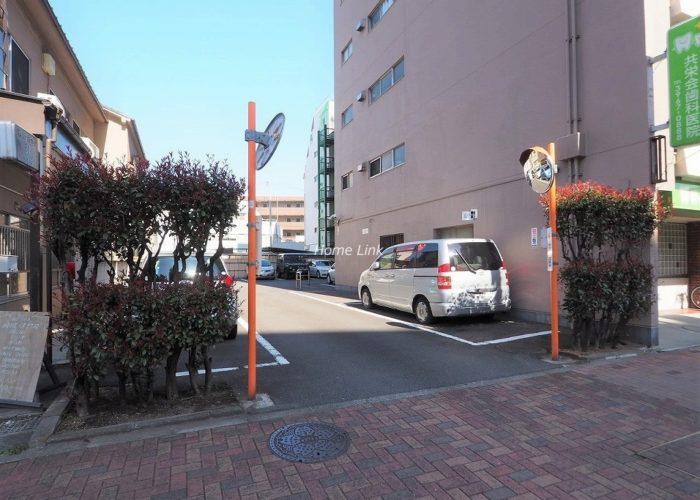 ウィスタリアマンション板橋志村 駐車場出入口