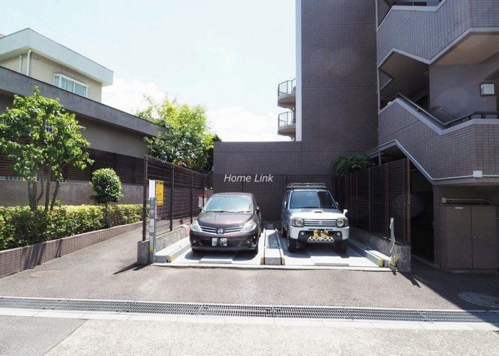 コスモ成増グランヒル 駐車場出入口