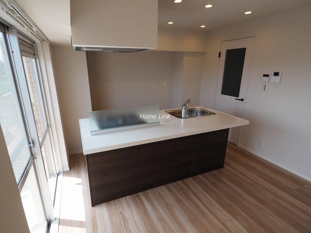 ハイネス成増10階 アイランドキッチン