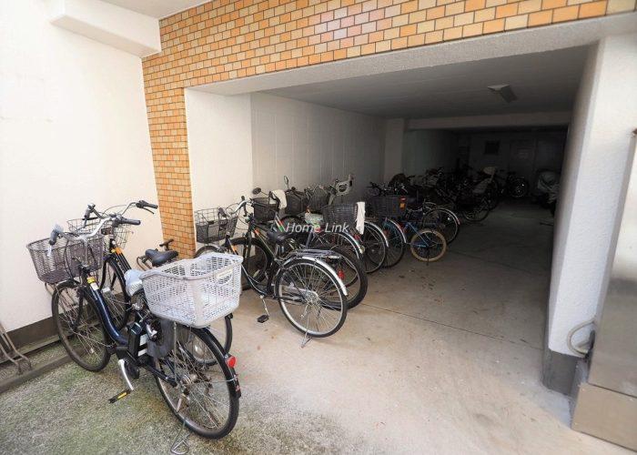 ハイネス成増 駐輪場
