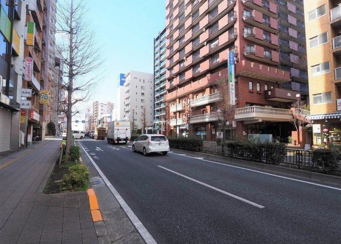 ハイネス成増 前面道路歩道