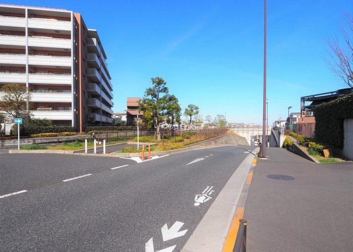 リスタ東武練馬アソシア 前面道路歩道