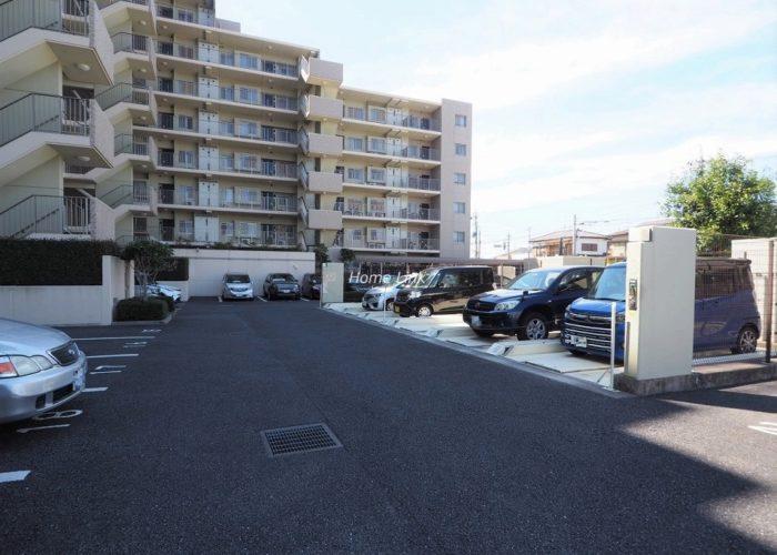 リビオ浦和上木崎グランセーヌ 駐車場