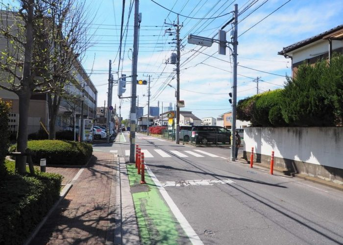 リビオ浦和上木崎グランセーヌ 前面道路歩道