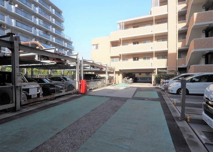 レーベンハイム志村プレノルガール 駐車場