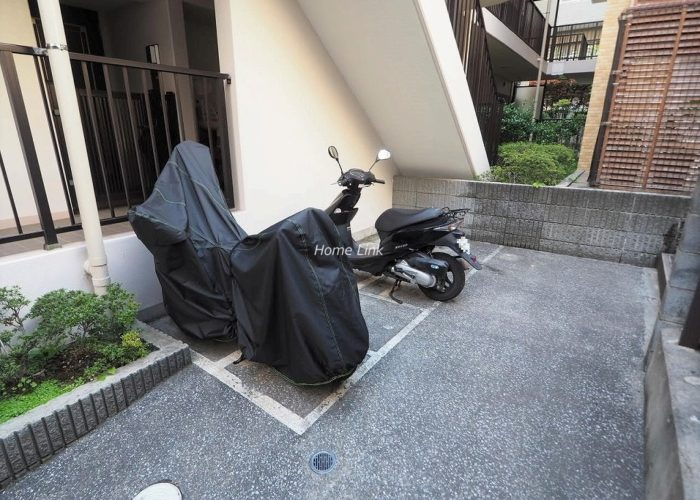 グランシティ志村坂上 バイク置き場