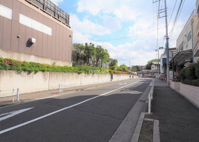 グランシティ志村坂上 前面道路歩道