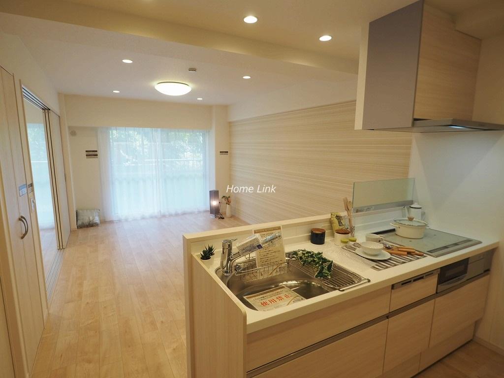 志村サンハイツ1階 キッチンからリビング