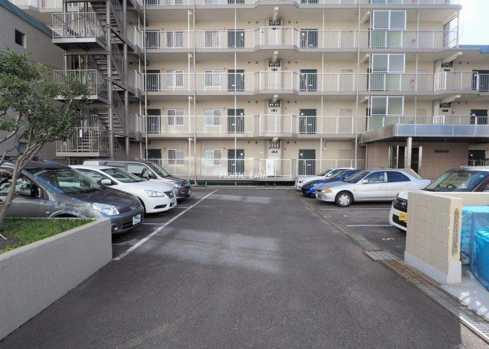 志村サンハイツ 駐車場