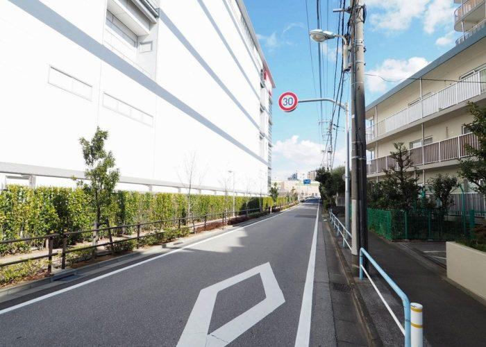 志村サンハイツ 前面道路