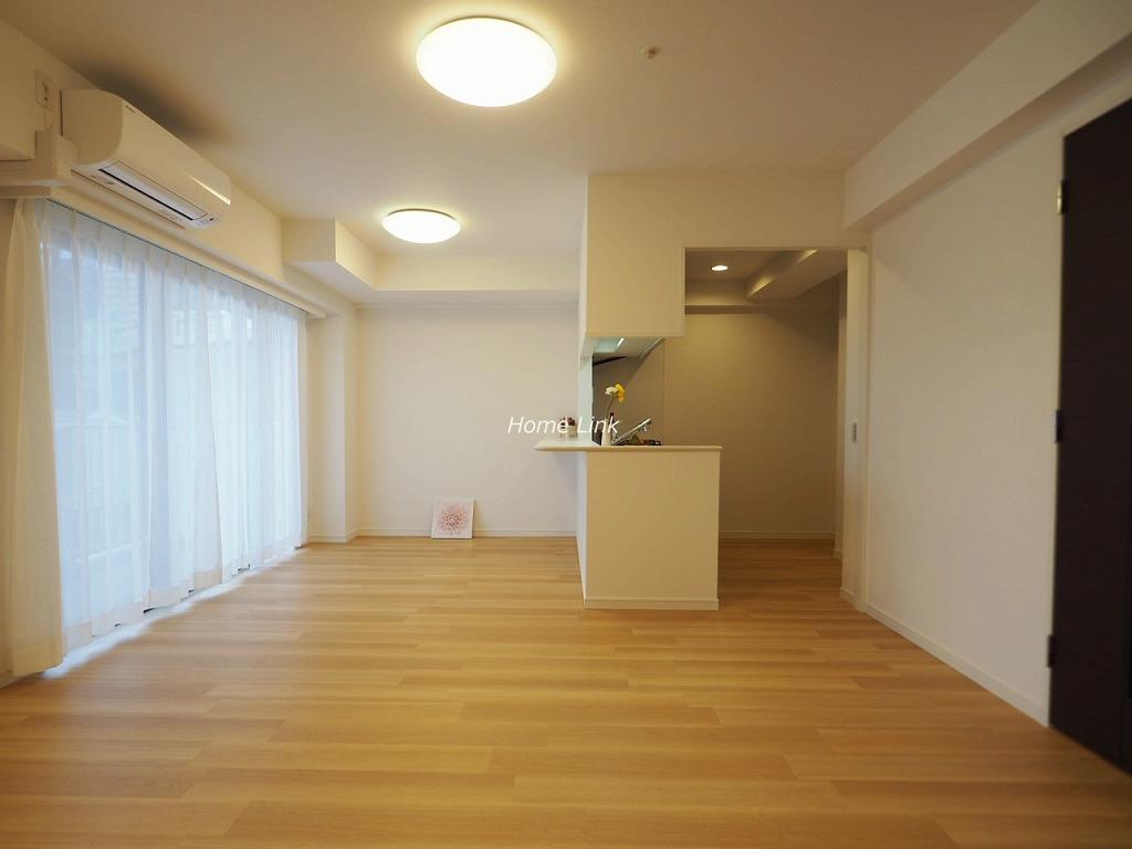 志村レジデンス3階 対面カウンターキッチンのLDK