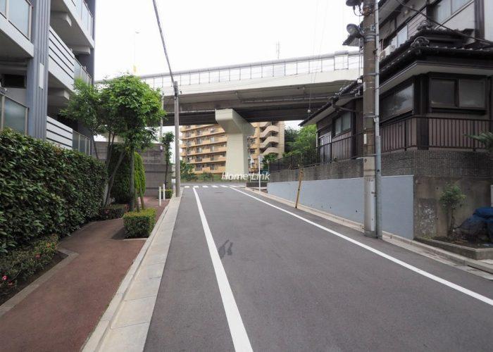 志村レジデンス 前面道路