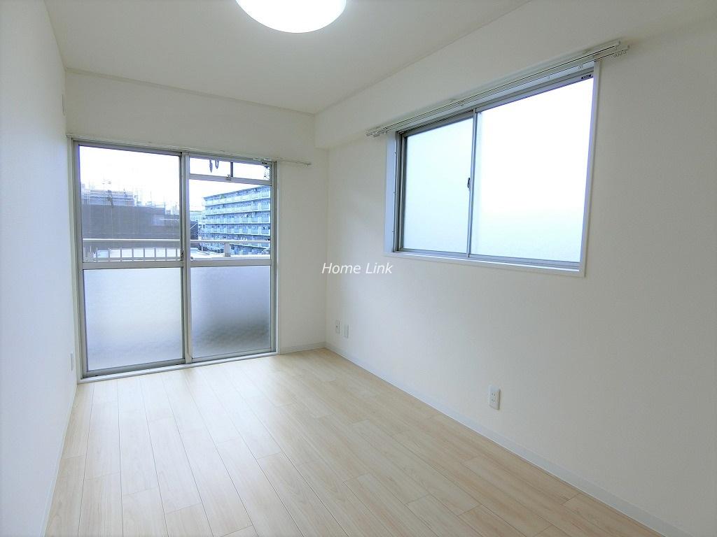 志村三丁目フラワーホーム5階 5階の角部屋・二面採光