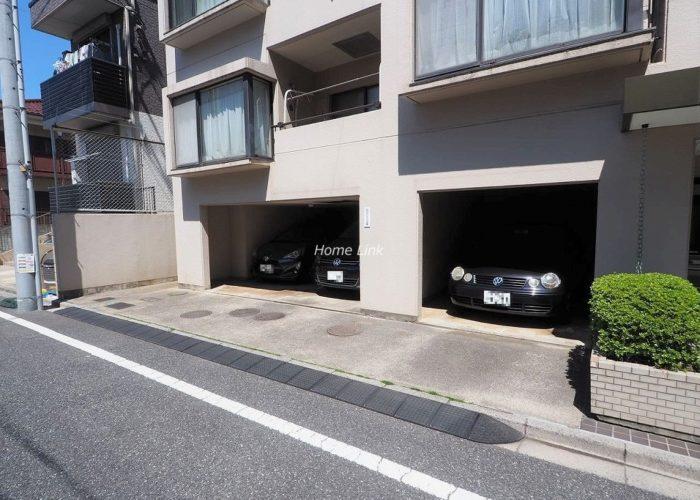 成増パークホームズ 駐車場