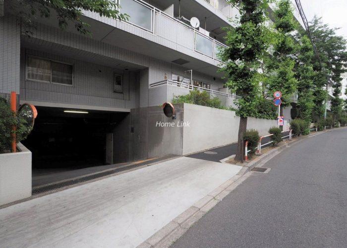 東急ドエルアルス志村坂上 駐車場出入口