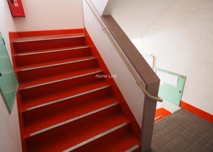 サンシュウ常盤台第3コーポ 共用部階段