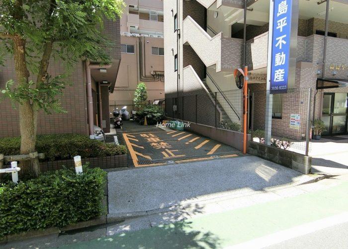 ソレイユ高島平Ⅰ 駐車場出入口
