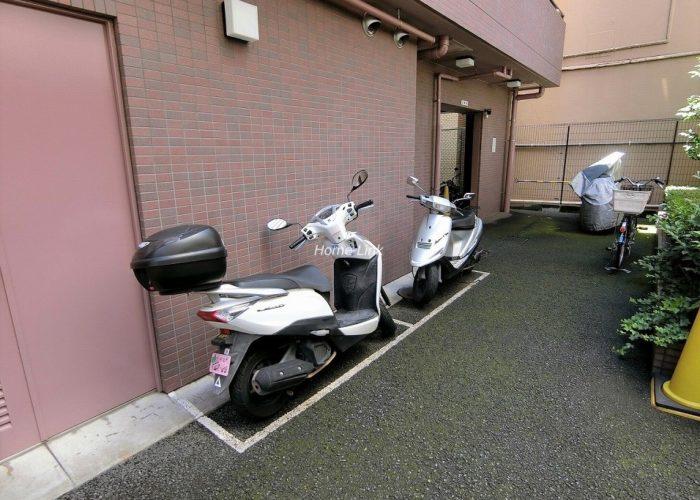 ソレイユ高島平Ⅰ バイク置き場