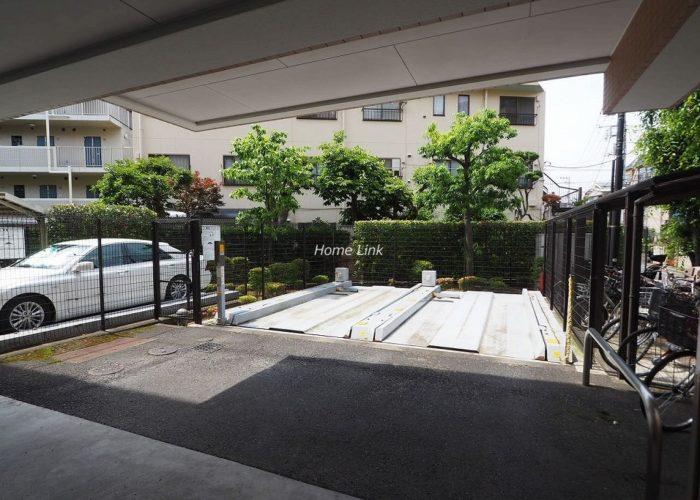 ルピナス赤塚ツインズガーデン弐番館 駐車場