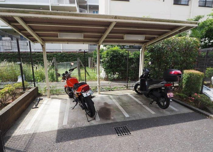 ルピナス赤塚ツインズガーデン弐番館 バイク置き場