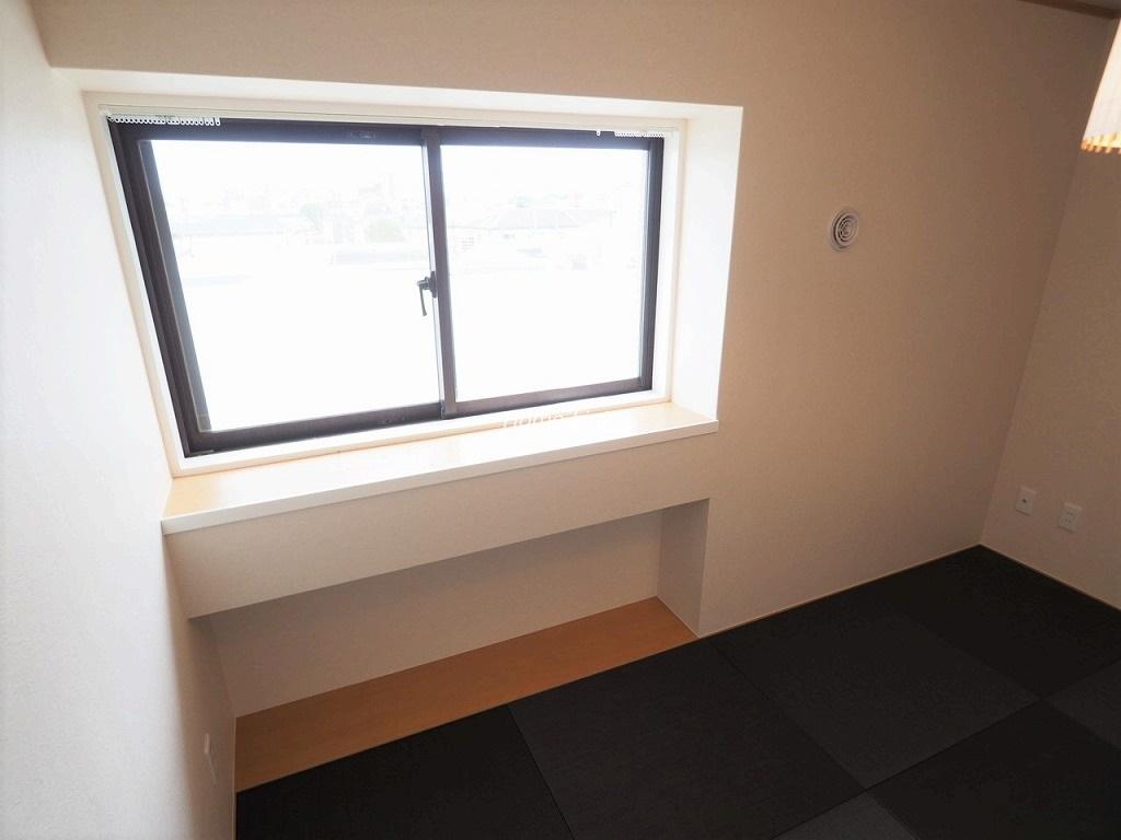 レスポワール成増3階 出窓のモダン和室