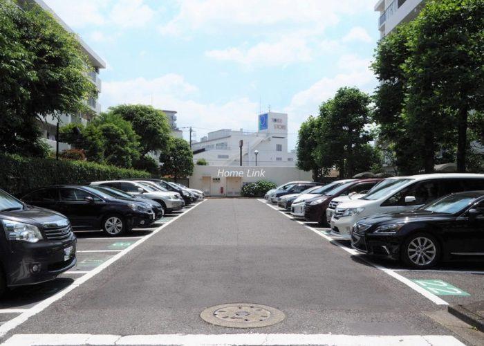 前野町ハイツ 駐車場