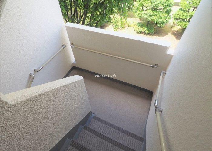 前野町ハイツ3号棟 共用部階段