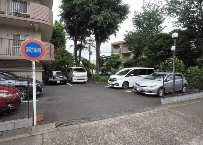成増ハイライズ 駐車場