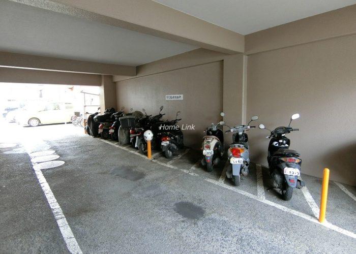 シャルム朝日 バイク置場