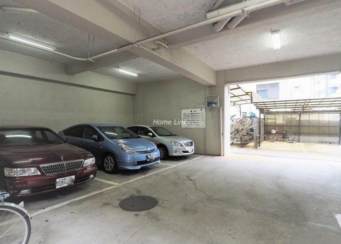 朝日板橋マンション 駐車場