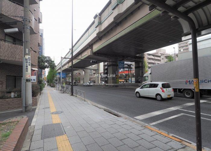 朝日板橋マンション 前面道路歩道