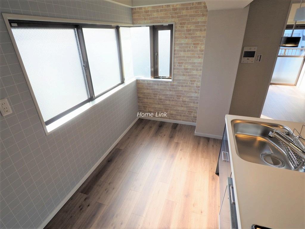 グローリア初穂ときわ台7階 キッチンスペースが広くて明るい