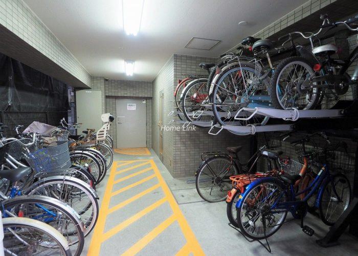コスモ高島平 駐輪場