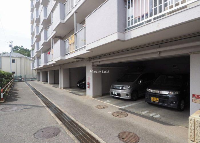 シャルマンコーポ朝霞 駐車場出入口