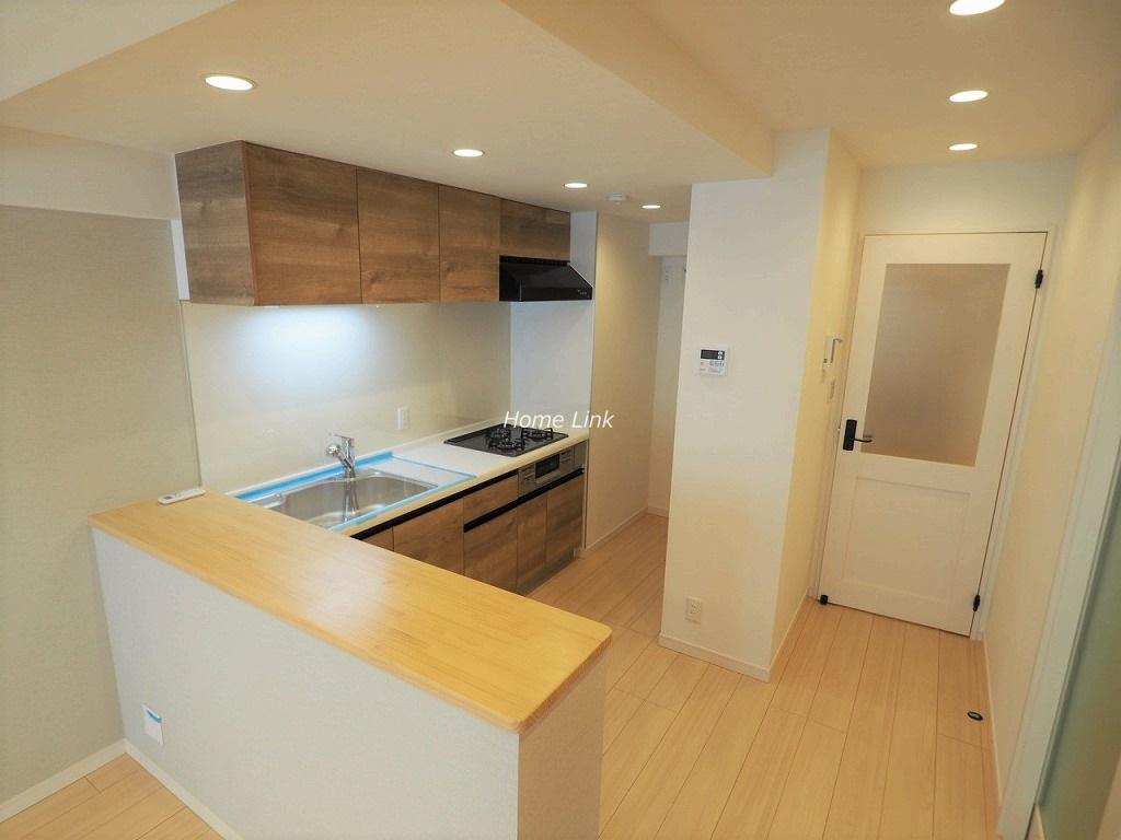 成増ガーデンハイツ1階 対面カウンターのあるキッチン