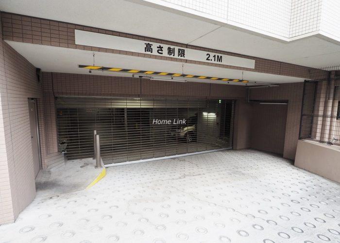 グローリオ板橋本町 駐車場出入口
