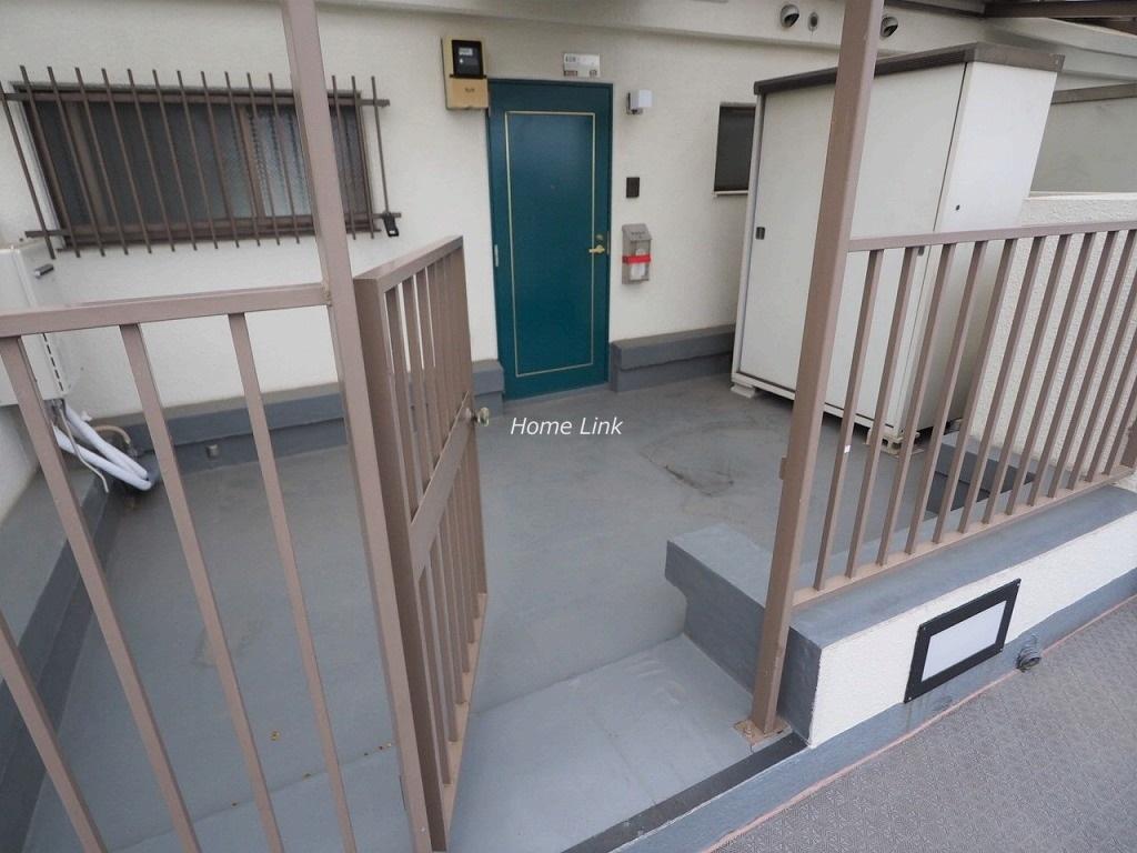 シャルム見次公園4階 門扉付きのルーフテラスに物置付き