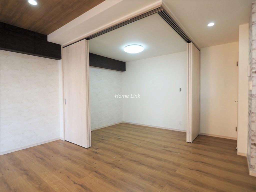 タイムズコーポ成増8階 洋室を開放し19帖の空間
